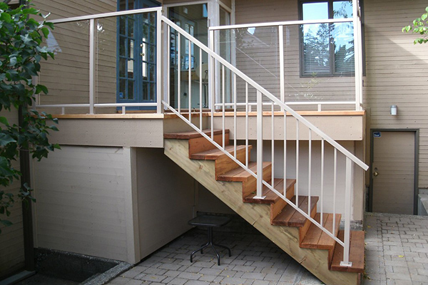Open Up the Views with a Glass Stair Railing